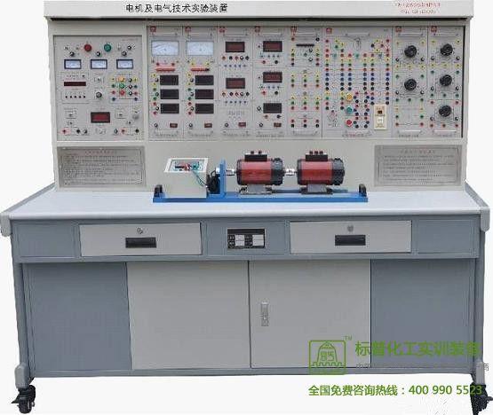 五、装置的基本装备 1、DQ01电源控制屏(铁质喷塑结构,铝质面板) (1) 交流电源 提供三相0~450V可调交流电源,同时可得到单相0~250V可调电源(配有一台三相同轴联动自耦调压器(规格1.5KVA、0~450V),克服了三 只单相调压器采用链条结构或齿轮结构组成的许多缺点)。可调交流电源输出处设有过流保护技术,相间、线间过电流及直接短路均能自动保护,克服了调换保险丝 带来的麻烦。配有三只指针式交流电压表,通过切换开关指示三相电网电压和三相调压电压。 (2) 高压直流电源两路 提供220V(0.